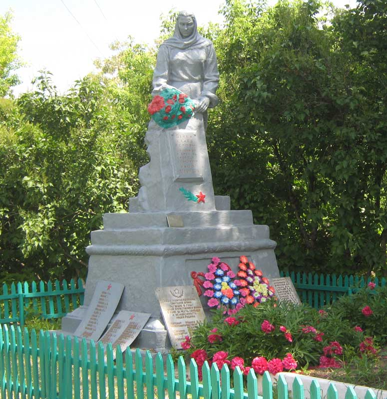 http://memorial.kharkov.ua/sites/memorial/Base/Pervomayskiy/Krutoyarka/Krutoyarka_01.jpg